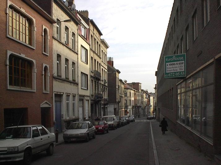 Dos la rue houzeau de lehaie rue du jardinier for Jardinier bruxelles