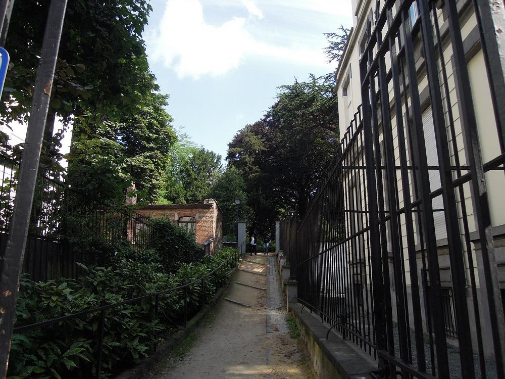 Passage discret jardins d 39 egmont rue du grand cerf for Bd du jardin botanique 50 bruxelles